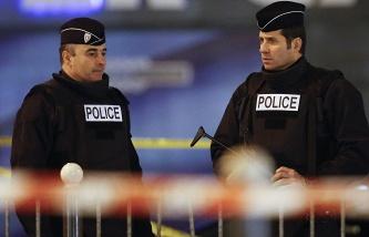 ТАСС: Захвативший заложников на почте в пригороде Парижа задержан