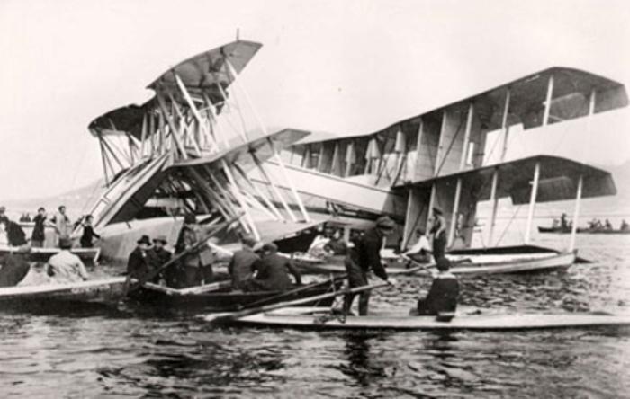 Разрушенная конструкция итальянской летающей лодки Caproni Ca.60.   Фото: aeronavtika.com.