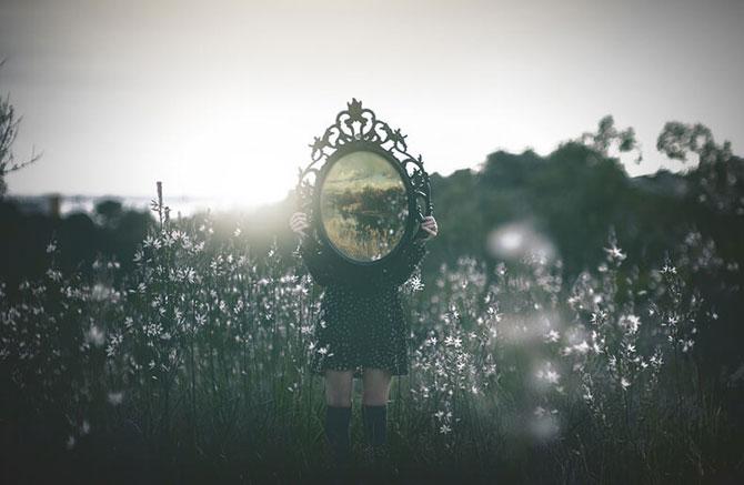 Почему девочки растут с внутренней неуверенностью в себе