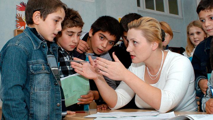 И здесь мигранты. В московских школах доминируют приезжие учителя