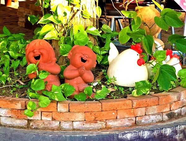 Садовые фигурки для дачи — фото идеи композиционных решений