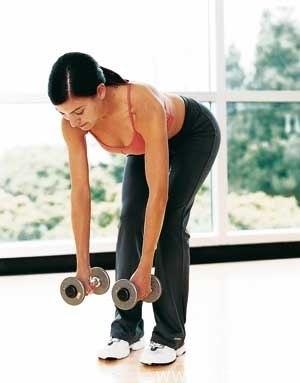 Упражнения для спины с гантелями.