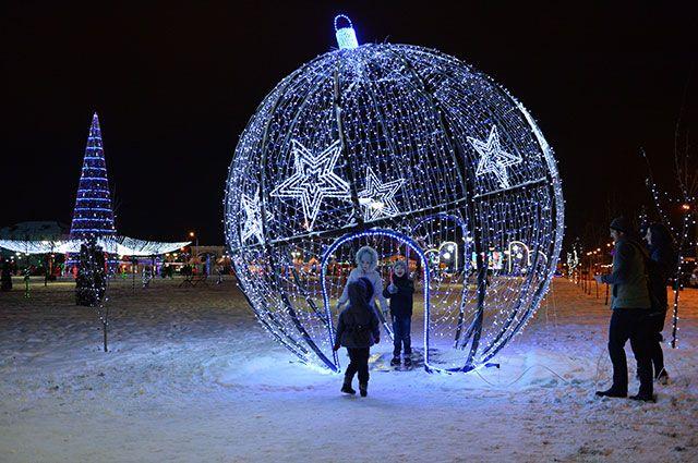Танцуйте в новогоднем шарике. Какие сюрпризы готовит столица к празднику