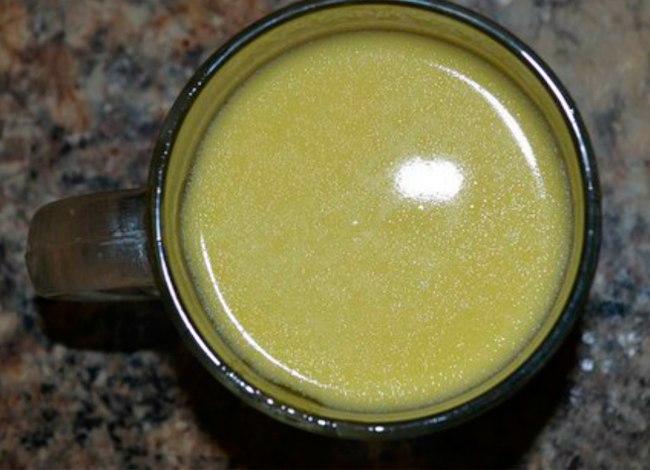 Золотой рецепт от кашля на основе молока: это горячее снадобье ставит на ноги в два счета!