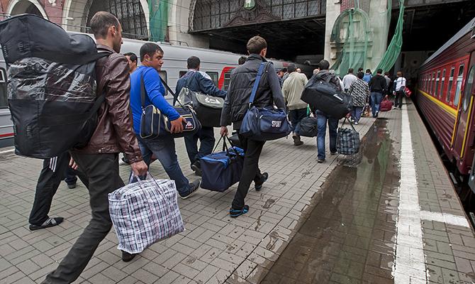 Каждый пятый украинец работает в Польше нелегально и без всяких прав