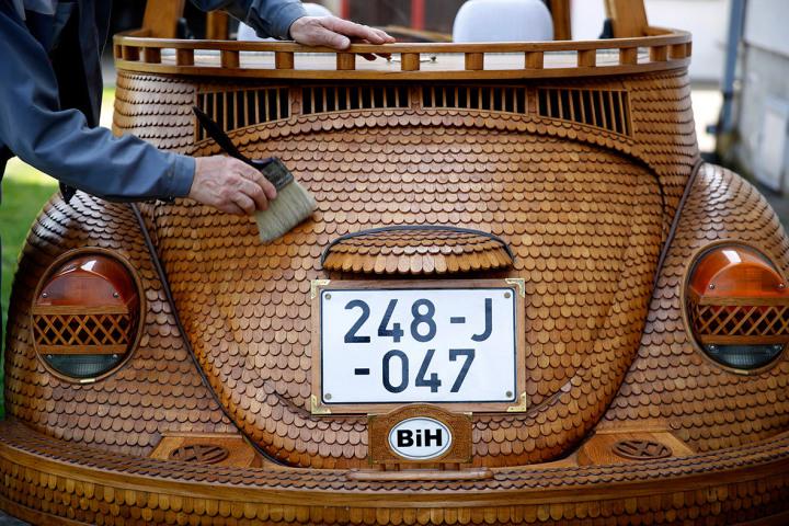 Volkswagen жук 1972 года из дерева