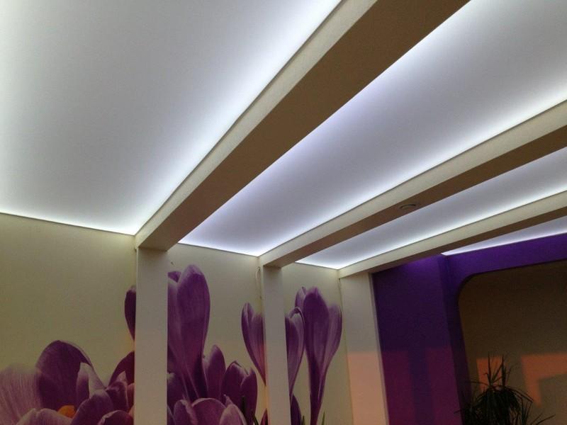 светящиеся полосы на потолке фото