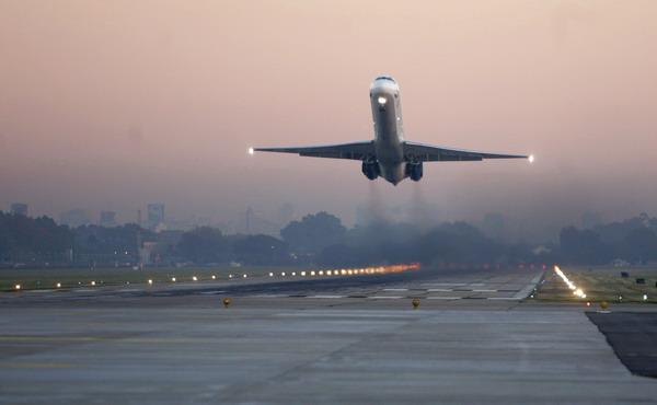 Полетели: аэропорт Симферопо…