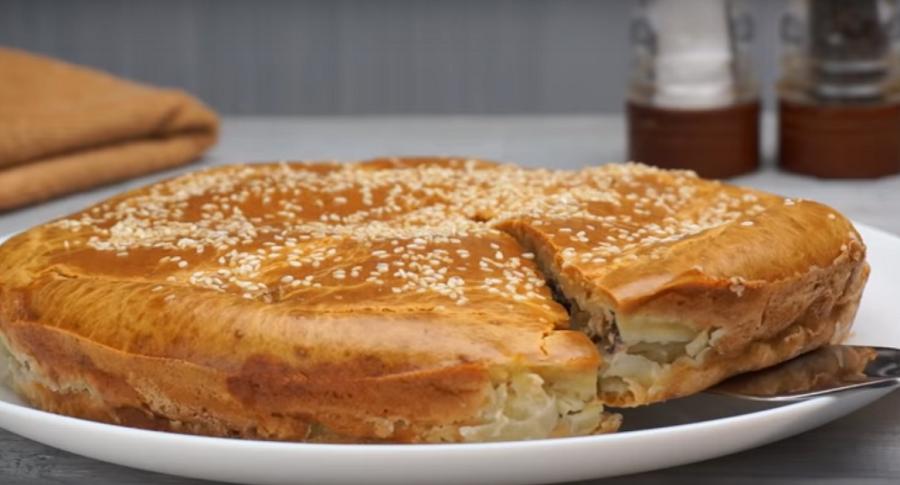 Рыбный пирог на каждый день: готовится просто и все сыты