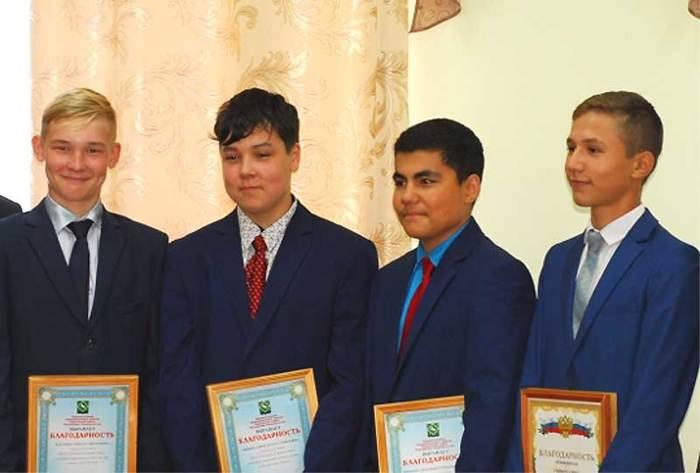 Четыре школьника из Янаула обезвредили преступника, напавшего на малыша Янаул, преступление, школьники, Спасли ребенка, Башкортостан