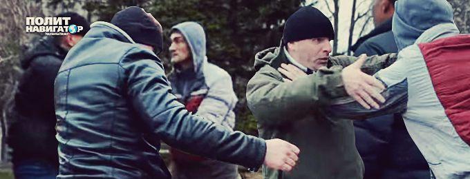 Жители Николаева хорошенько отмутузили нациста, топтавшего цветы на памятнике героям ВОВ (видео)
