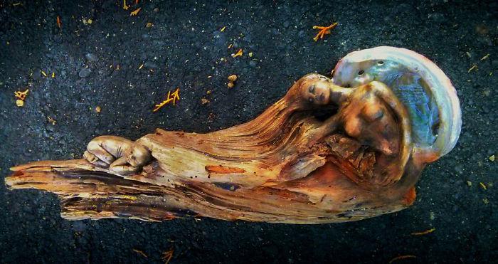 Добро пожаловать в сказку: потрясающие скульптуры из коряг.