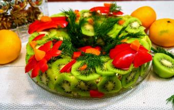 Слоеный салат с тунцом на пр…