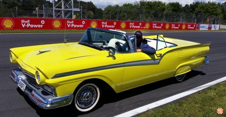 Старинный Форд превратили в электромобиль