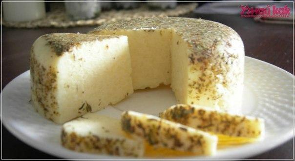 Как сделать домашний сыр с зеленью?