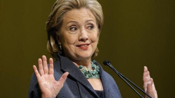 ФБР обещает объяснить, почему невыдвигает обвинений вотношении Хиллари Клинтон
