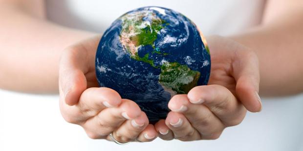 Стоимость Земли — пять квадриллионов долларов.