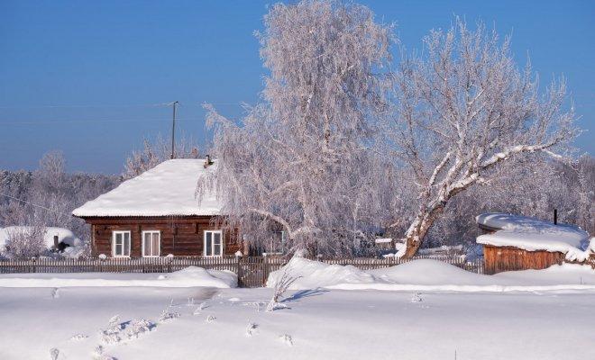 10 идей: чем можно заняться на даче зимой