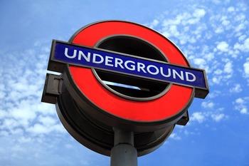 Леди и джентльмены исчезнут из лондонского метро
