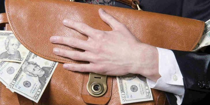 Просрочка по кредитному портфелю банков РФ увеличилась в июле на 16,5 млрд рублей