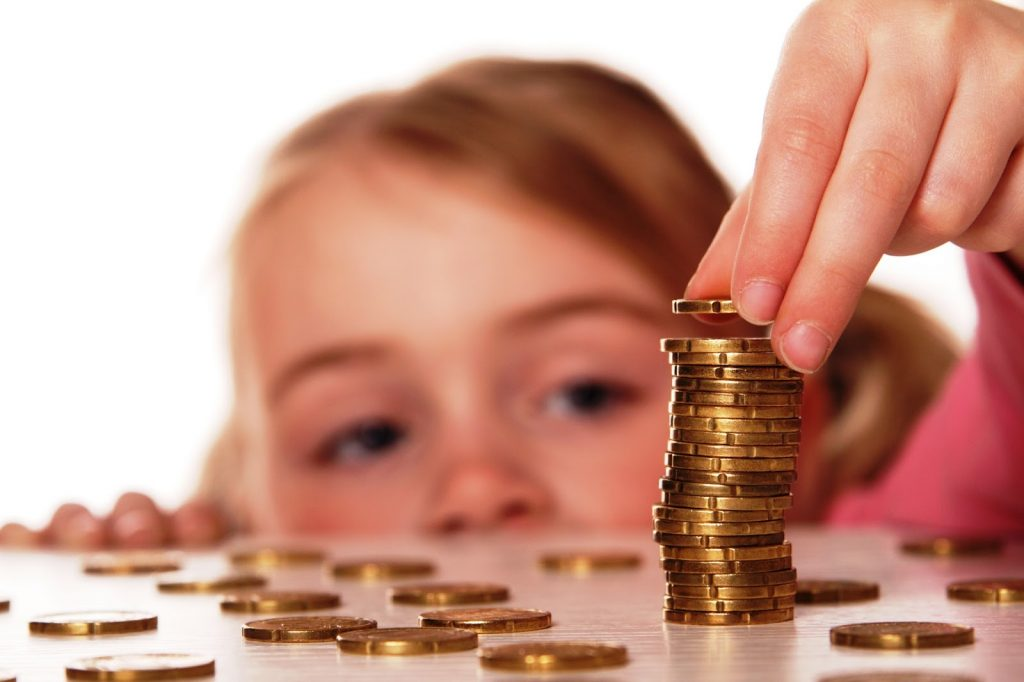 Карманные расходы для детей: зачем, сколько, за что