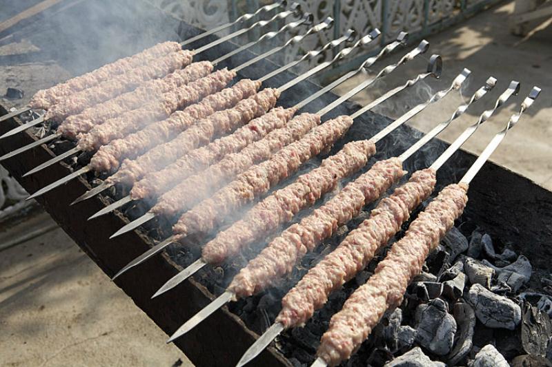 Домашний кебаб в лаваше — уникальное блюдо. Готовится, пока гости моют руки!