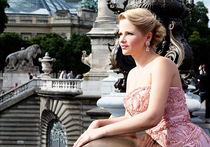 Не оправдала доверия: Бывшую жену Пескова уволят из Россотрудничества за сокрытие бизнеса