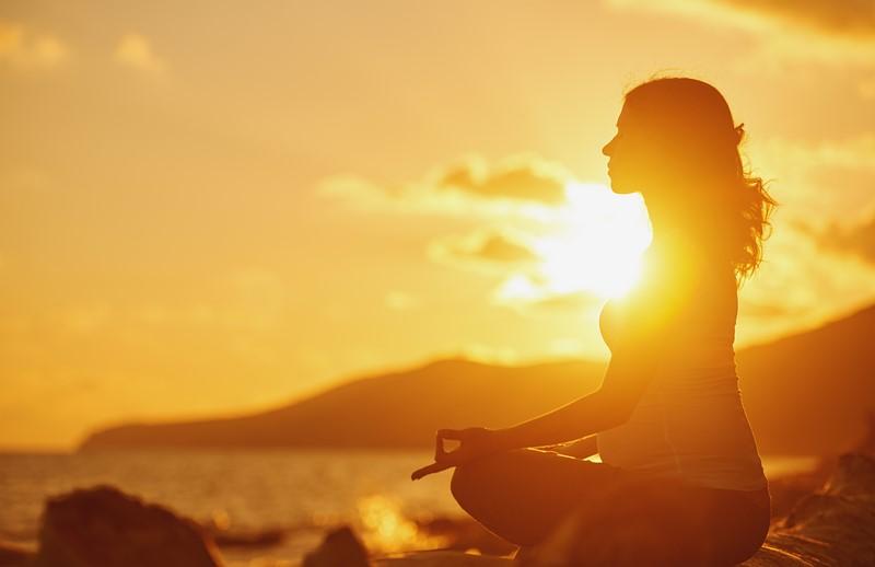 асаны йоги для утренней зарядки