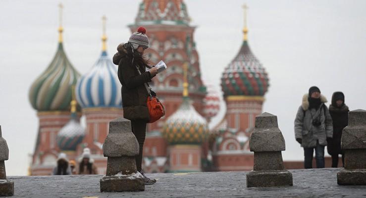 Русские открыто носят оружие и экономят на еде ради одежды: Россия глазами типичной американки