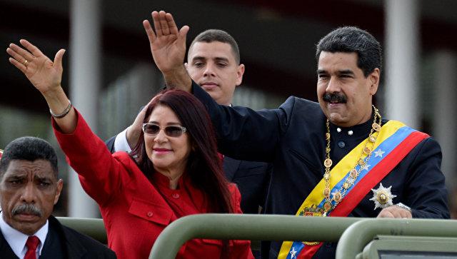 Президенту Венесуэлы грозит судьба Каддафи за бойкот доллара