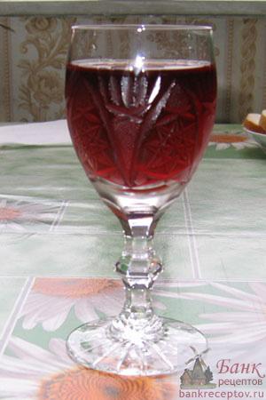 Фото вино из красной смородины
