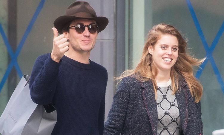 Счастливы вместе: принцесса Беатрис на прогулке с бойфрендом-миллионером в Нью-Йорке