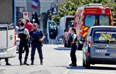 Автобусные остановки в Марселе протаранил психически больной водитель