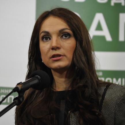 Украинская депутатша рассказала, как ей вставляли