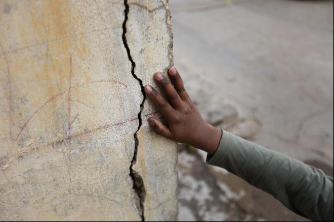 Отличный способ ремонта трещин в стене