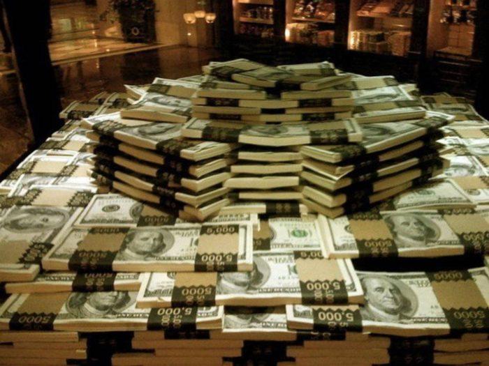 Как правильно хранить деньги, чтобы их количество увеличилось в кошельке