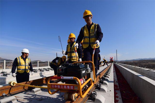 750 метров дороги в час. Почему Китай строит за неделю то, что мы за год
