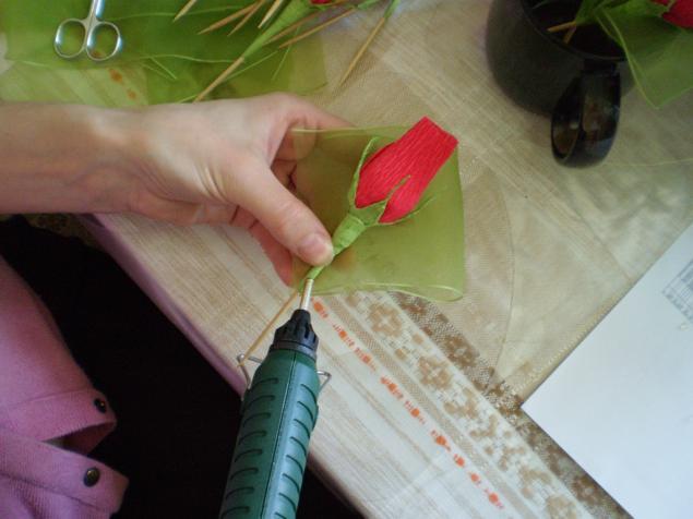 Как сделать бутон из бумаги своими руками