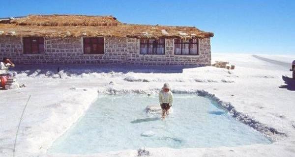 Отель из соли в Боливии