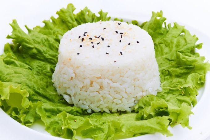 Почему японцы так долго живут? Они едят рис, который заменяет им пшеничный хлеб