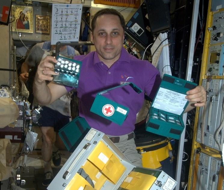 Чем и от чего лечат космонавтов