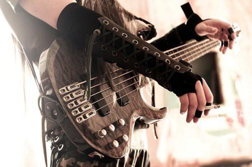 10 самых красивых рок-исполнительниц