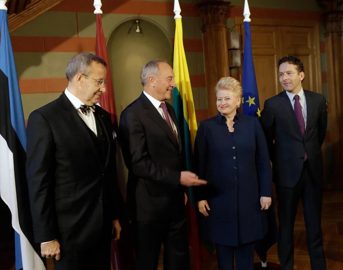 Прибалтика хотела получать деньги и от РФ, и от ЕС одновременно: но РФ прекратила сотрудничество с ними, а ЕС сократил дотации