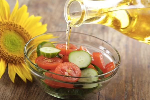 На чем жарить и чем заправлять: 15 основных видов масла