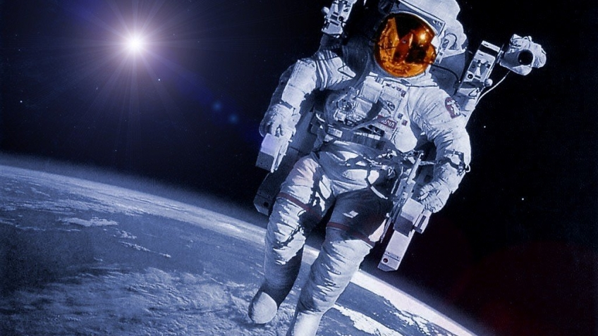 «Роскосмос» планирует отправить в космос туристов в ближайшие три года