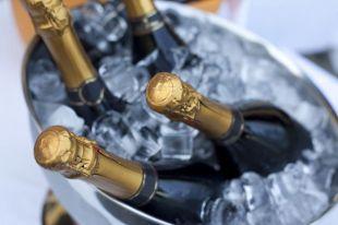 Есть ли у шампанского срок хранения?