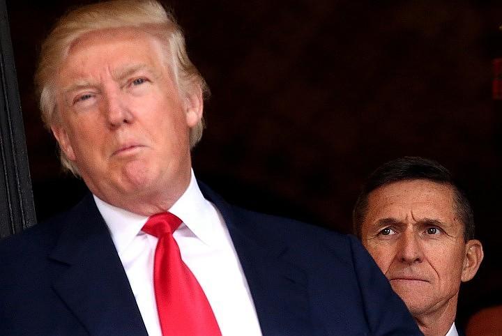 СМИ: Трамп разозлился на помощника из-за запоздалого сообщения о звонке Путина