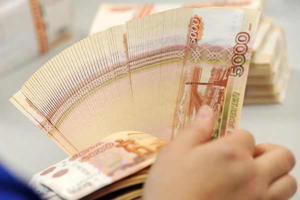 Минфин потратил в декабре рекордные 3,2 трлн.руб., доведя месячный дефицит до гайдаровских 24,2% ВВП