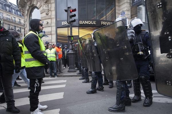 Нацсобрание Франции предложе…