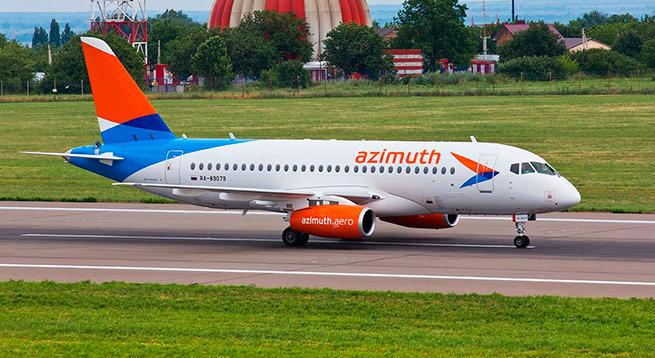 """Авиакомпания """"Азимут"""" получила первый самолет Sukhoi Superjet 100"""